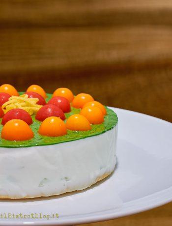 Cheesecake salata con feta, yogurt greco cetrioli e pomodorini